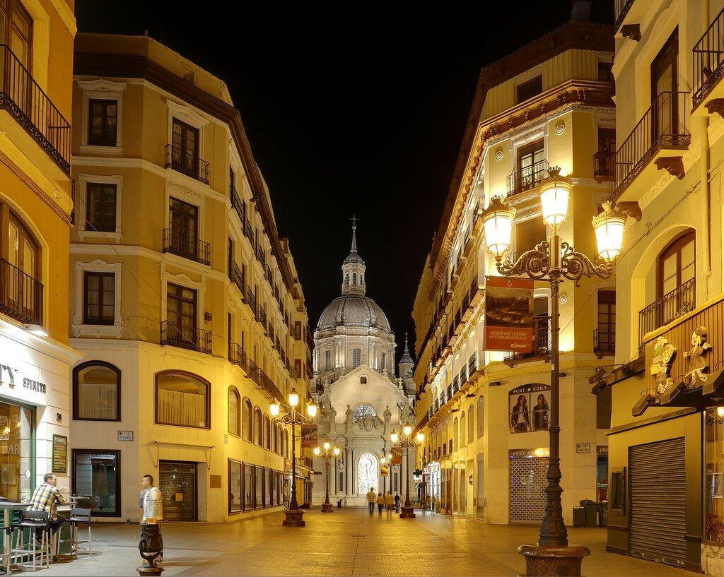 Ночная Сарагоса. Улица Альфонсо I (Calle Alfonso I)