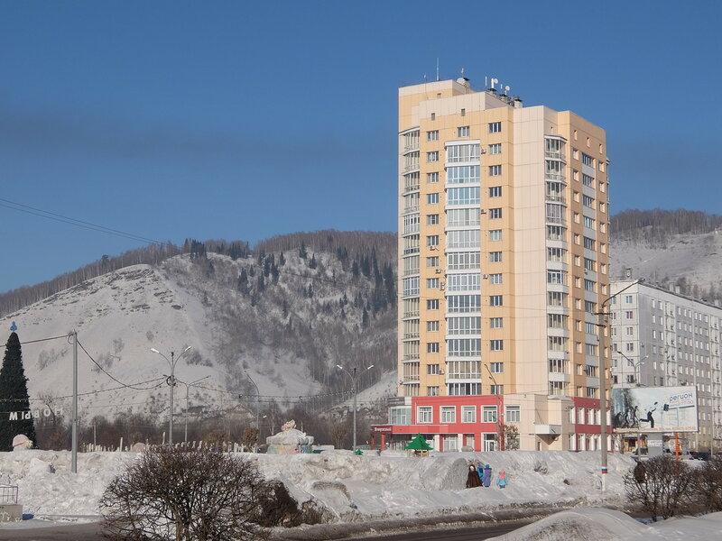 Междуреченск - Здание на проспекте Шахтеров