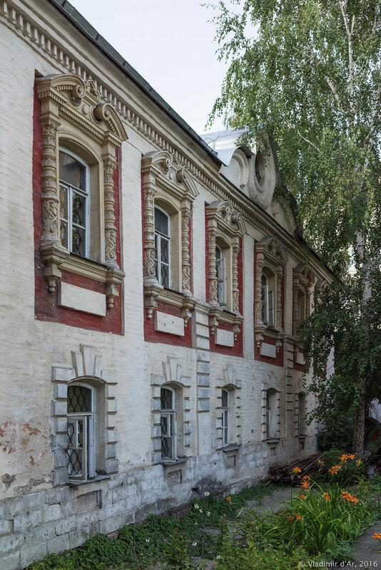 Богоявленский монастырь в Китай-городе. Игуменский корпус.