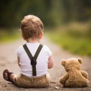 мальчик и мишка
