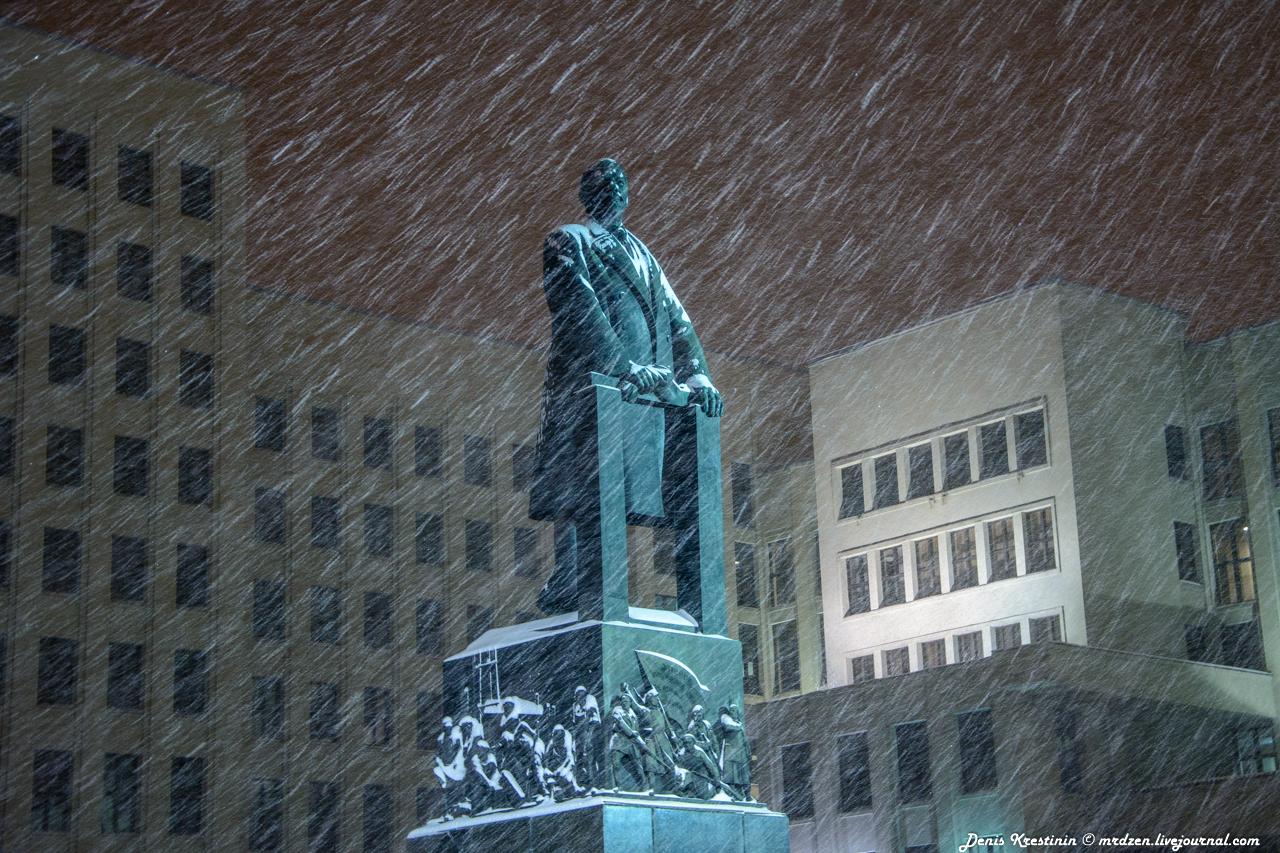 Минск. Снежный Ленин