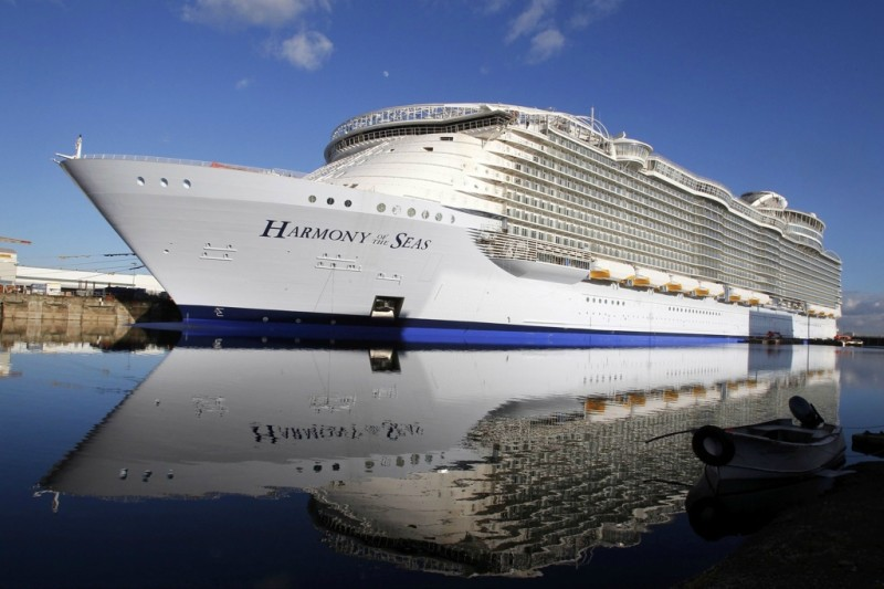 Опубликованы фото нового лайнера-рекордсмена