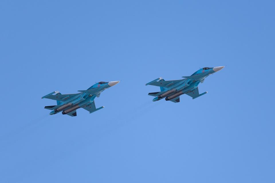 Су-34 (Fullback) — истребитель-бомбардировщик