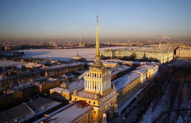 Адмиралтейские верфи, Санкт-Петербург (фото с помощью беспилотника)