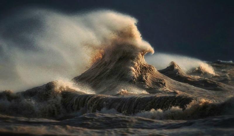 Чудесно! 20 волшебных снимков разбивающихся волн