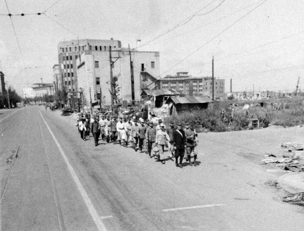Demobilized Japanese soldiers returning to Yokohama. September 5, 1945