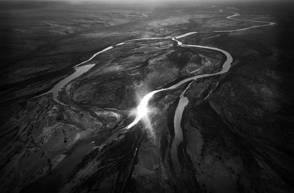 16. Вид сверху на реку Гильменд. (AP / Kevin Frayer)