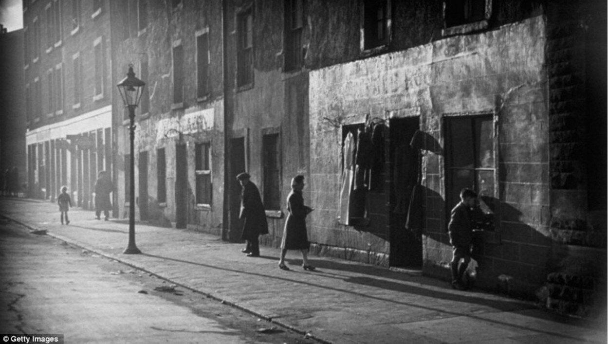 1940-е. Магазин подержанной одежды в Горбалсе, Глазго
