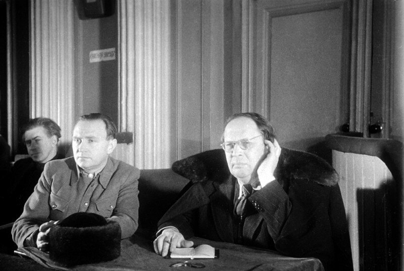 Писатель А.Толстой на заседании Харьковского судебного процесса над немецкими военными преступниками