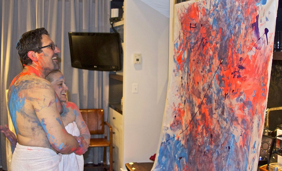 Картины любви: пары превращают моменты страсти в пикантные произведения искусства