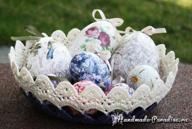 Вазочка крючком с пасхальными яйцами