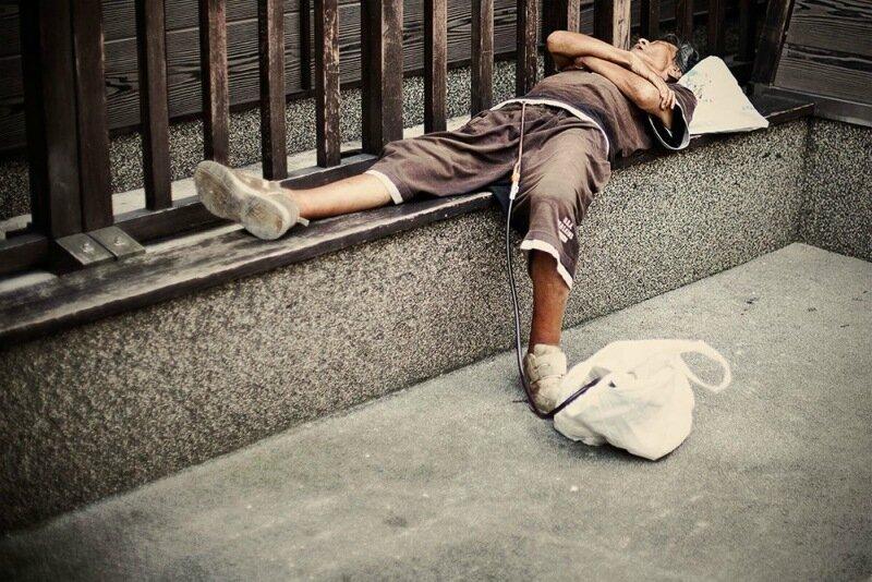 Фотопроект Адриана Стори: спящие на улицах Токио 0 1c59ed 829300ef XL
