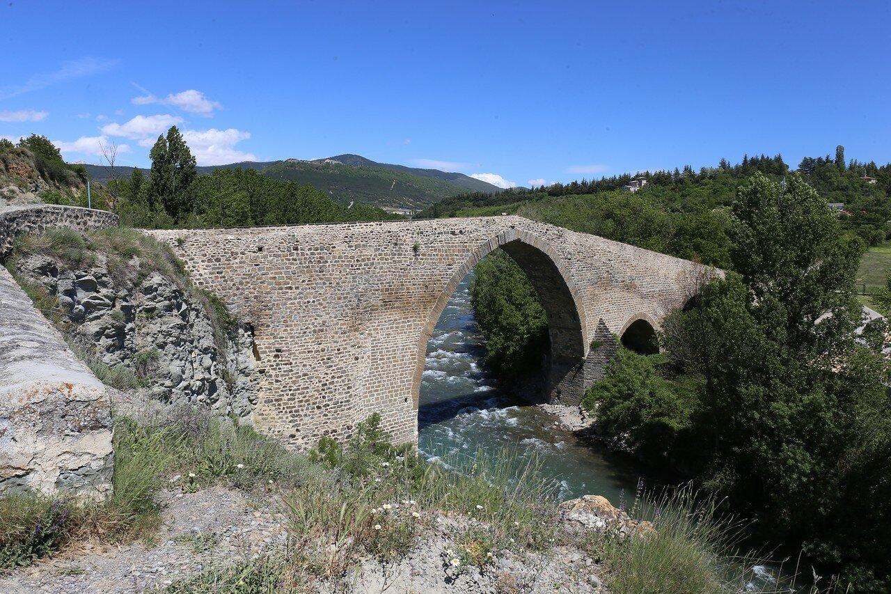 The hack. The St. Michael's Bridge (Puente San Miguel)