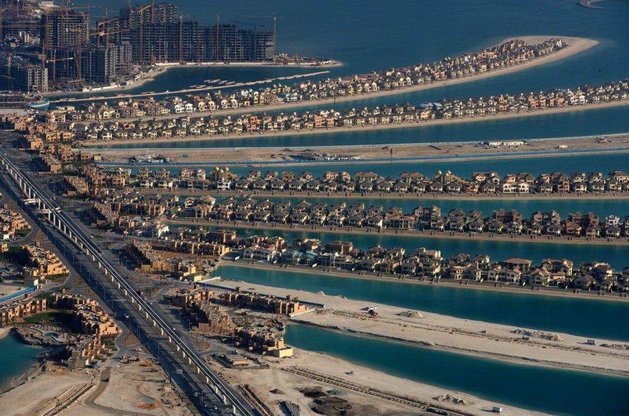 36. Рукотворные острова, формирующие архипелаг Пальм в Дубае, ОАЭ.