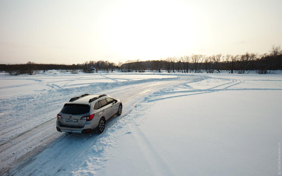 Быстрое и эффективное управление автомобилем не подразумевает продолжительных боковых скольжени