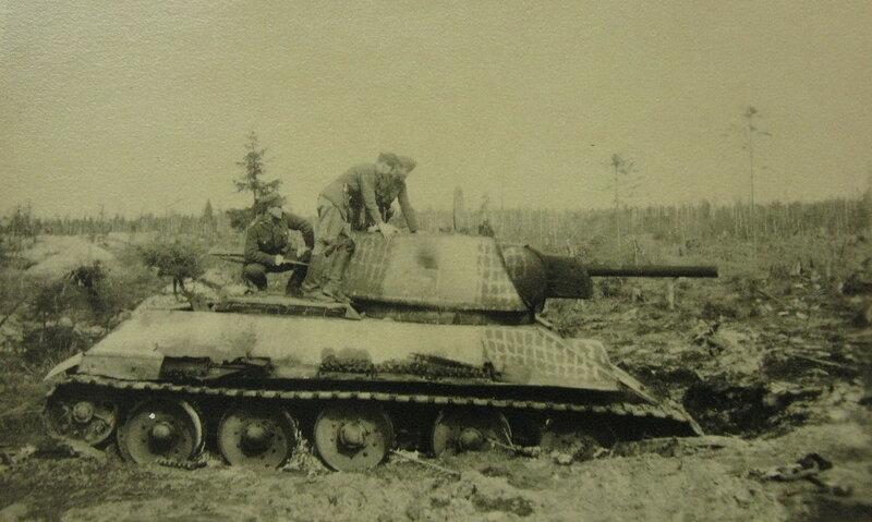Т-34_42_УВЗ-1-0_012 + КВ-1 (5).jpg