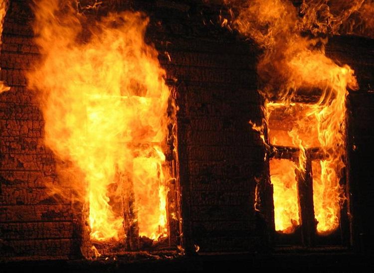 ВВерещагинском районе двое малолетних детей невыжили впожаре вдоме