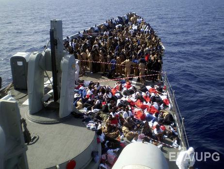 Крушение судна сбеженцами случилось уберегов Ливии