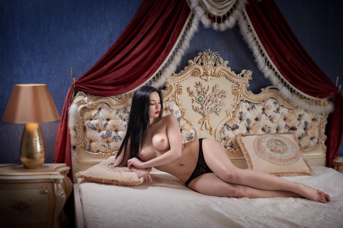 foto-spyashimi-obnovlennaya-hudozhestvennaya-erotika-shikarnie-formi