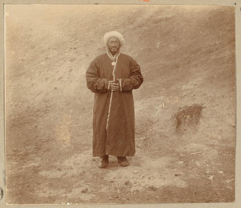 Provodnik i perevodchik Imperatorkogo Geogr Ob-va v 1907 2318l.jpg