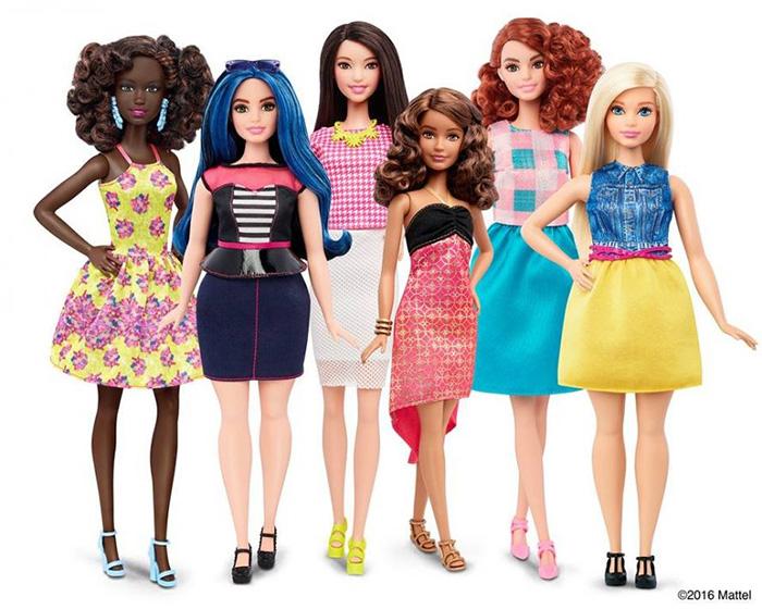 Компания Mattel выпустила три новые версии популярной куклы Барби