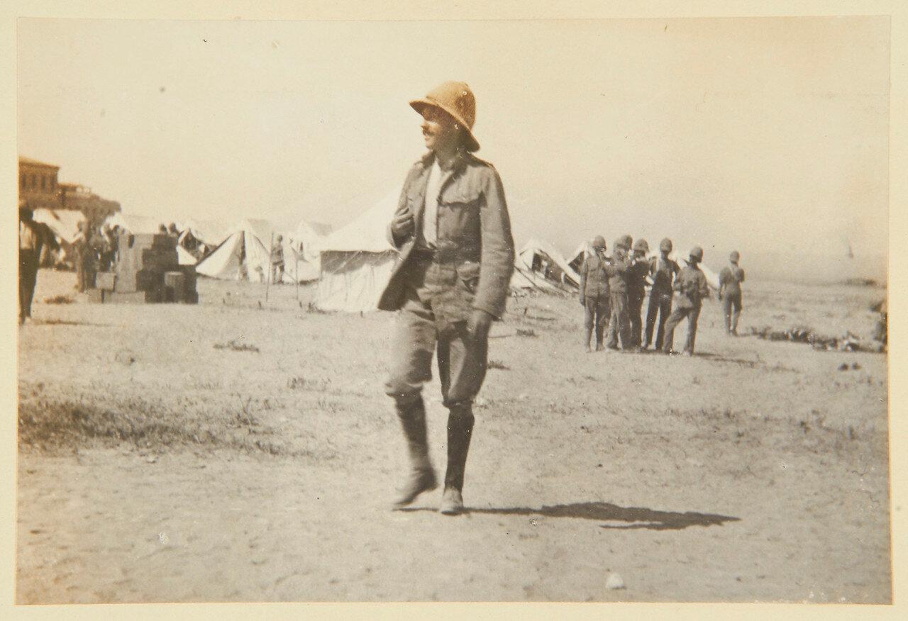 Гренадеры в Сиди Габер возле Александрии. Генерал-лейтенант сэр Джордж Сидни Клайв (1874-1959)