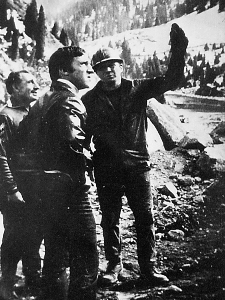 25. Владимир Высоцкий в Иркутской области. Фото Леонида Васильевича Мончинского, 15 июня 1976 года