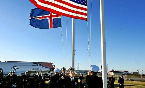 Us military returns to iceland cold war base to reopen us deputy secretary of defense bob work visited iceland last year to discuss the details with the icelandic authorities freerunsca Images