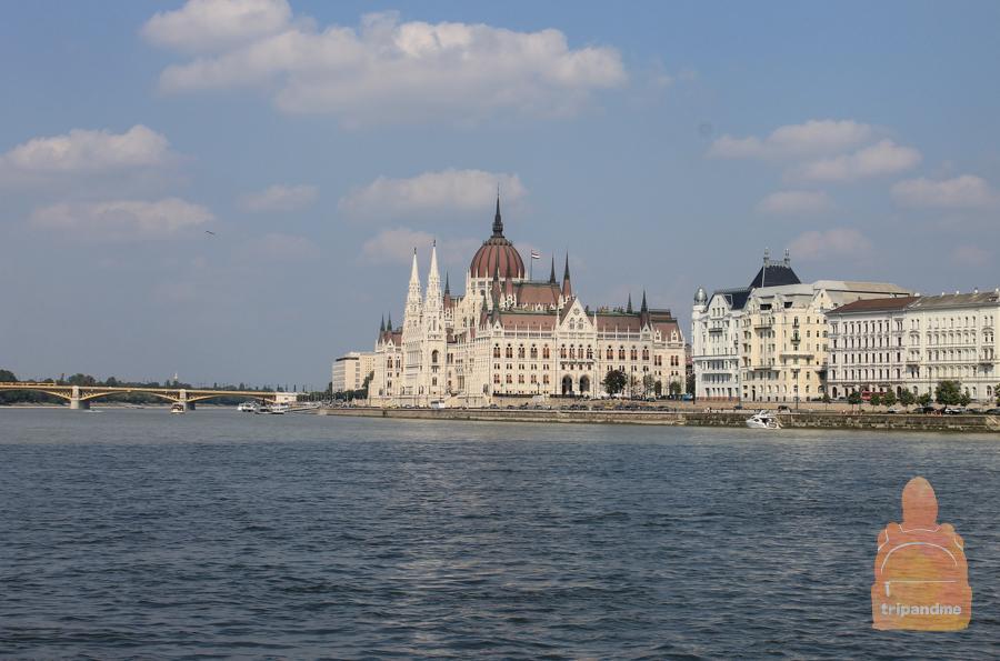 vid-na-parliament.jpg