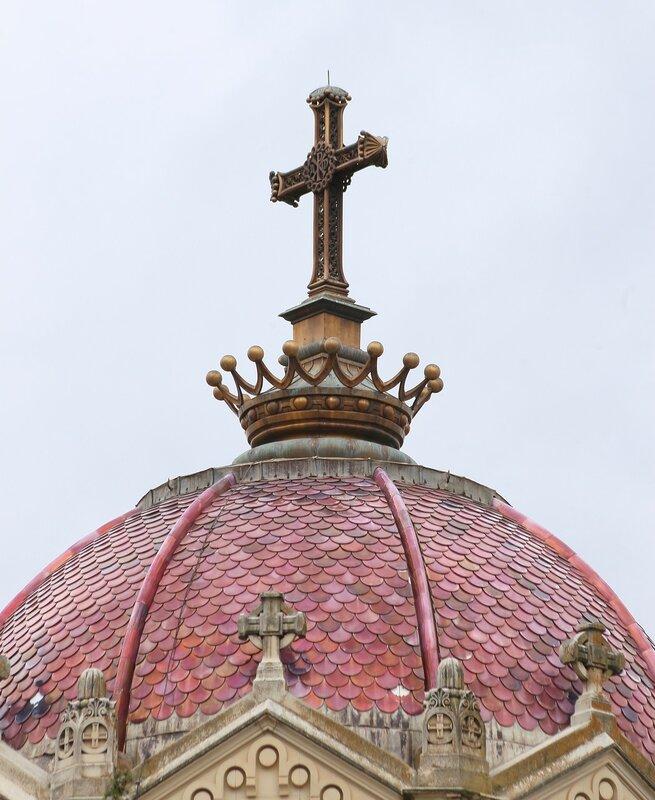 Гвадалахара. Пантеон графини Ла-Вега-дель-Посо и графини севильской (Panteón de la Condesa de la Vega del Pozo y Duquesa de Sevillano)