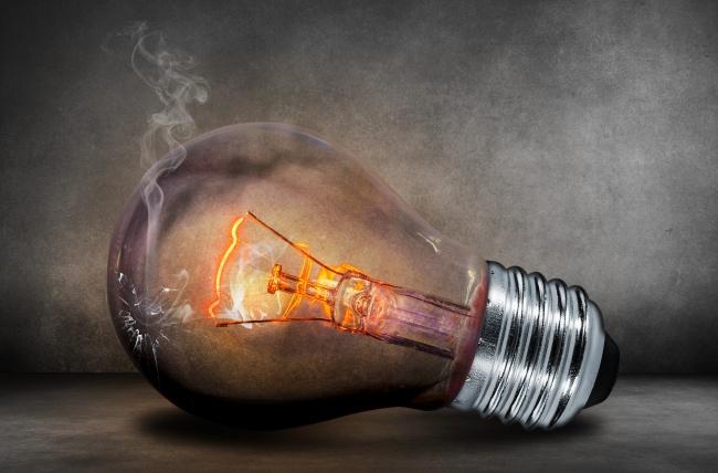 ДоЭдисона было много изобретателей лампы накаливания. Самый известный изних— Лодыгин Александр Ни