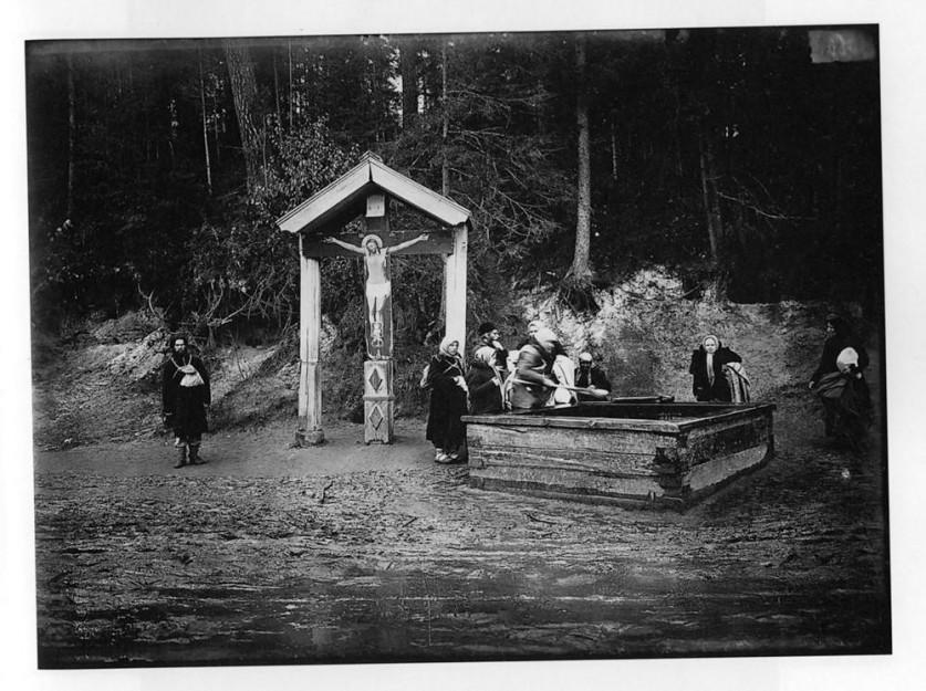 Святой источник в Саровском мужском монастыре. Негатив 18 ? 24 см.