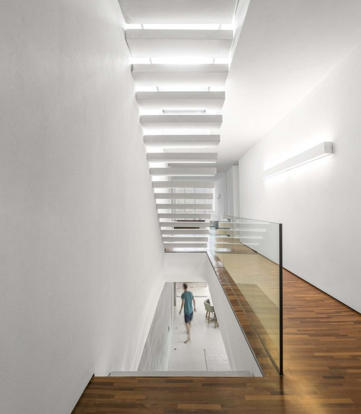White House by Studio MK27 - Archiscene - Your Daily Architecture & Design Update