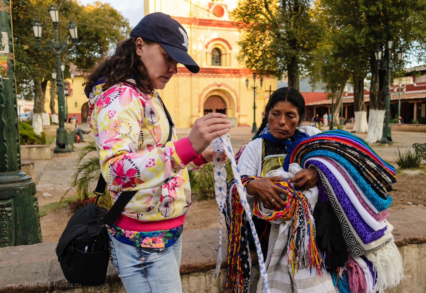 17. Что купить в Мексике в качестве подарка? Где покупать сувениры? Мой ответ - в городе Сан-Кристобаль-де-Лас-Касас штата Чьяпас. Здесь и выбор большой, и цены не так высоки как в туристическом Канкуне или в Тулуме.