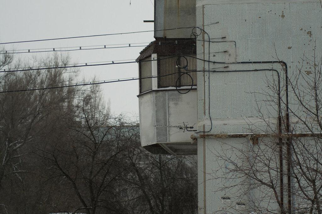 балкон. серость погоды