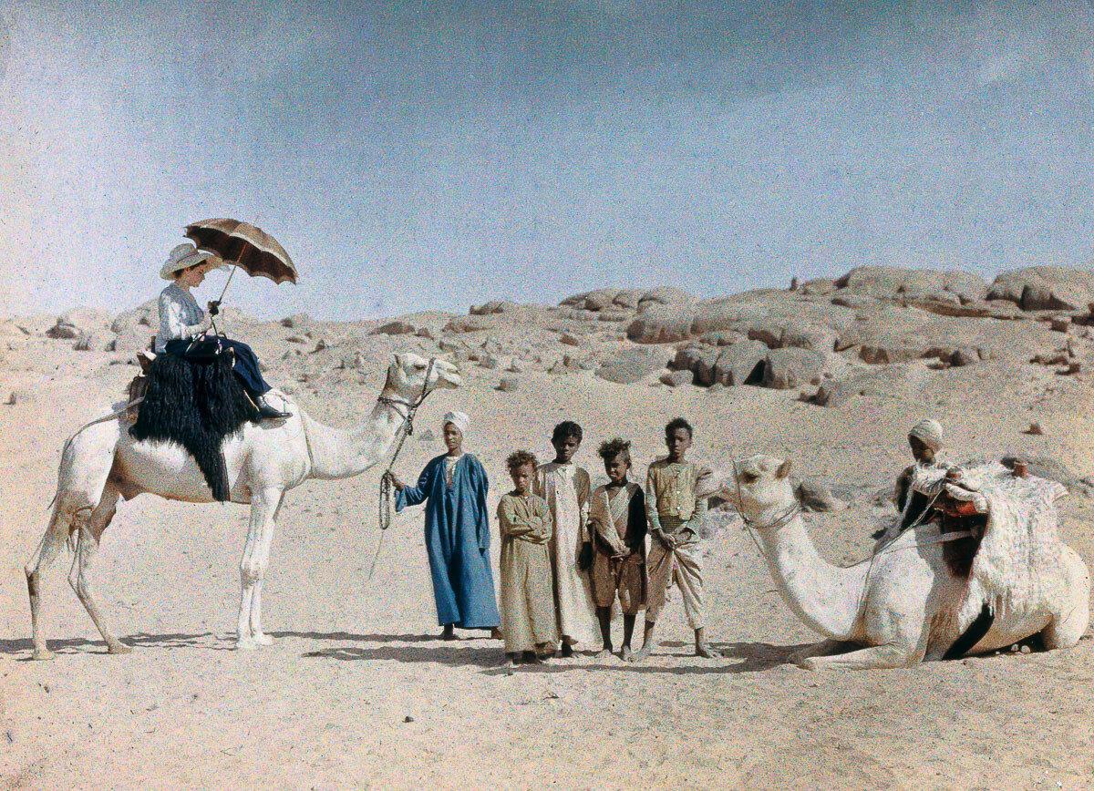 1913. Жена Фридриха Панета во время медового месяца в Египте