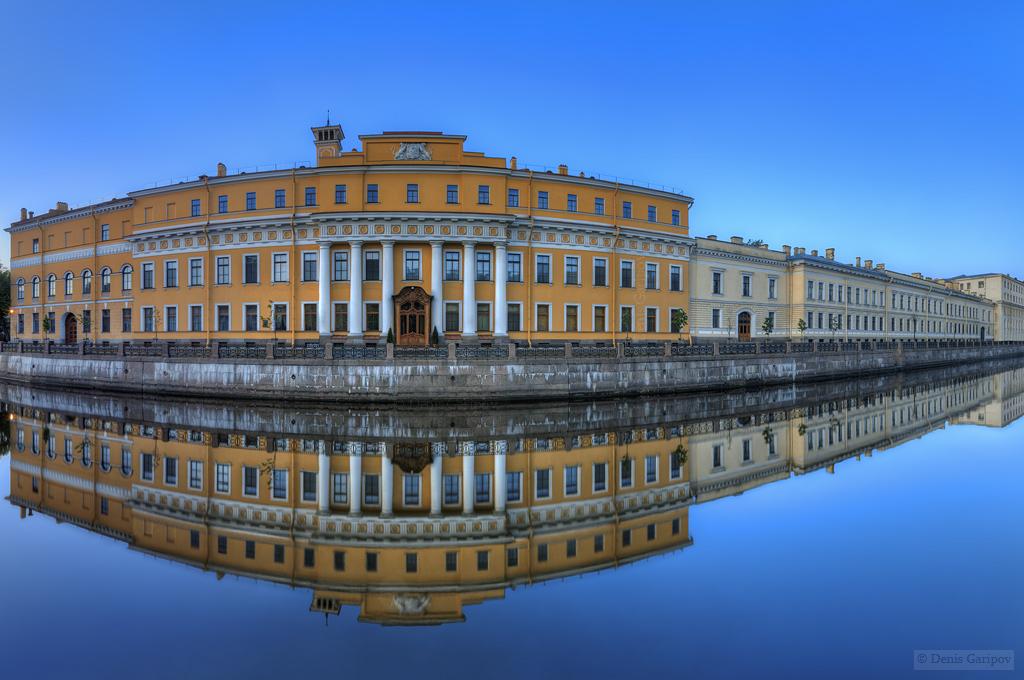 Один из пятидесяти семи Юсуповских дворцов