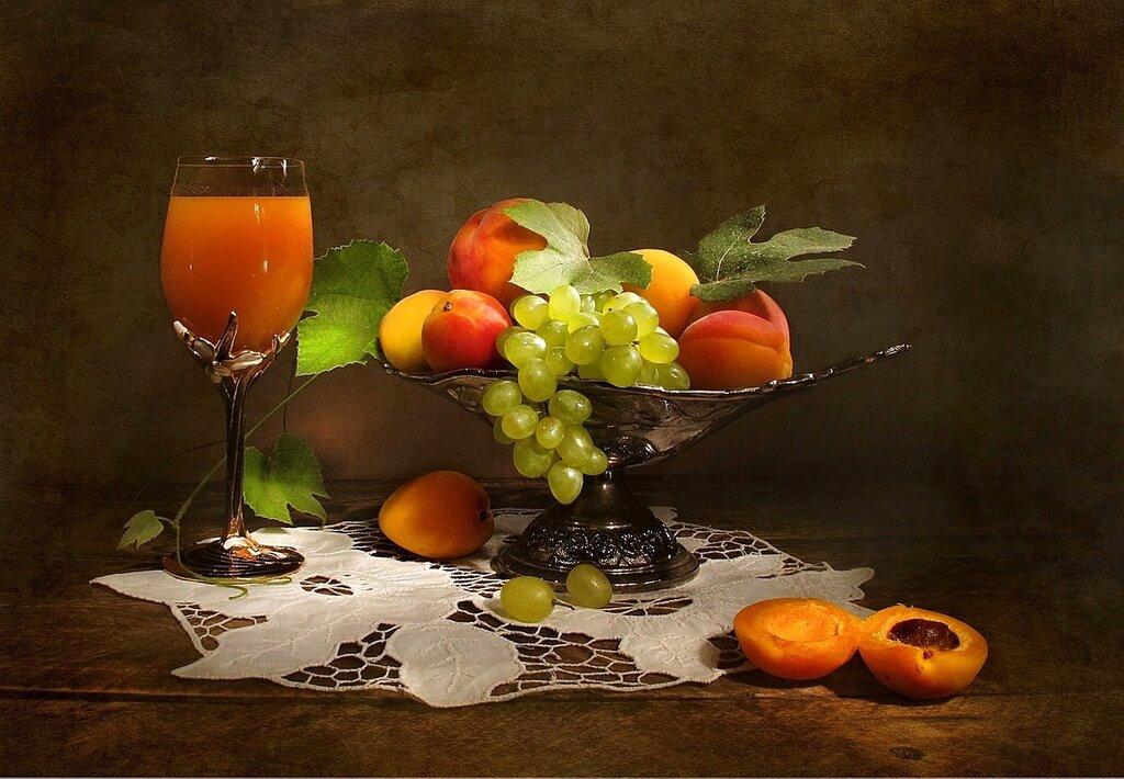 Сок и фрукты
