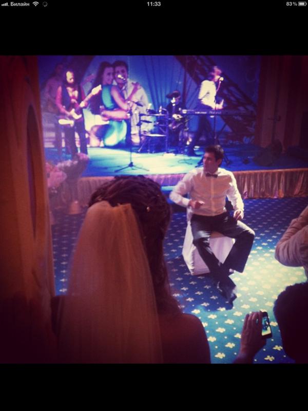 С костылями и без! Фото со свадьбы Гудкова IMG_0378.PNG