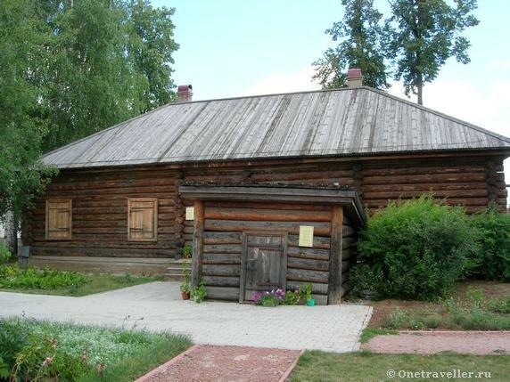 Овощная яма во внутреннем дворе музея-усадьбы П.И.Чайковского в Воткинске