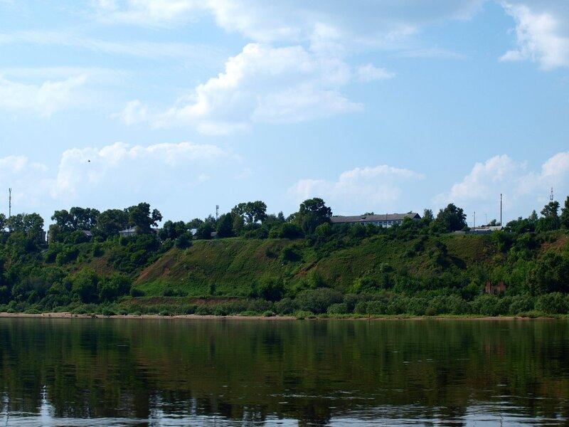 берег на подступах к Котельничу. Вид с реки