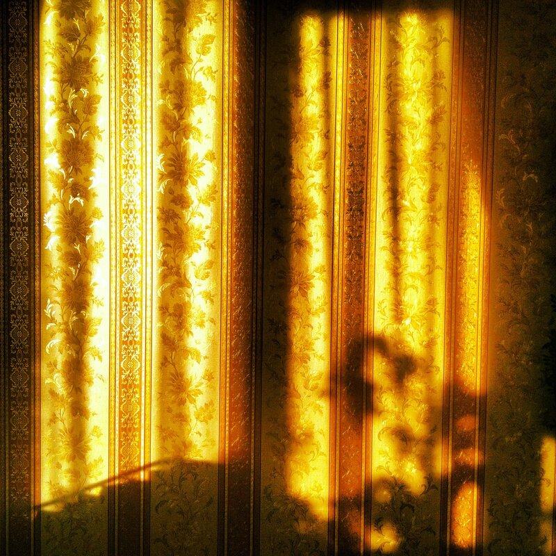 Золотое окно