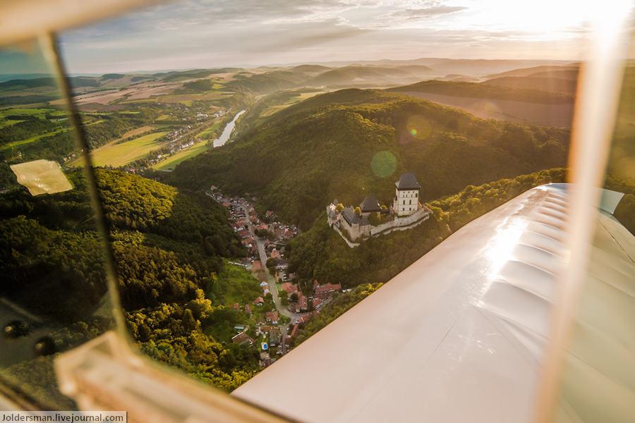Замок Карлштейн с высоты птичьего полета