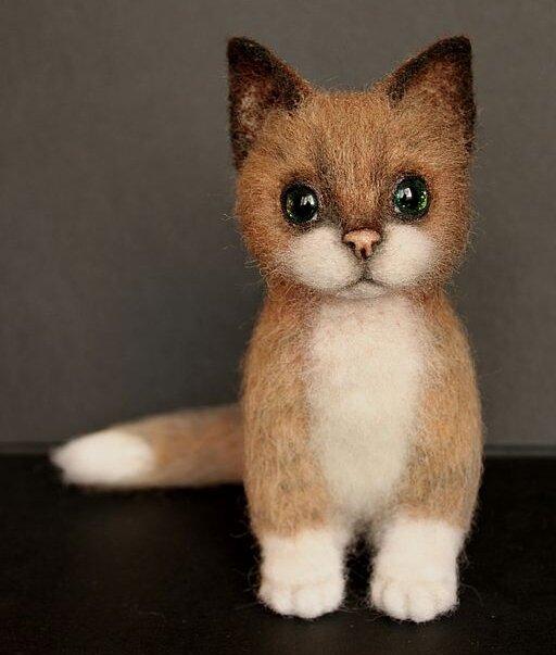 Сделал кота из валенной шерсти