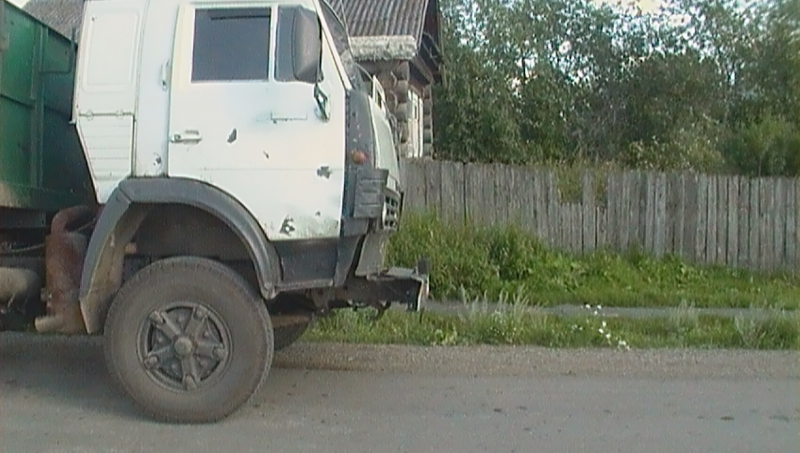 ВКрасноуфимском районе под колесами КамАЗа умер 6-летний ребенок изЕкатеринбурга