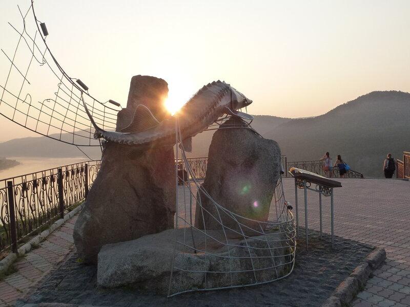 Памятник Царь-Рыбе Красноярск