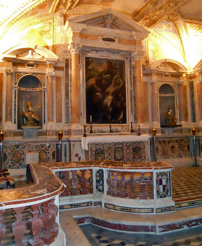 Gaeta,_Basilica_Cattedrale_-_Succorpo.jpg