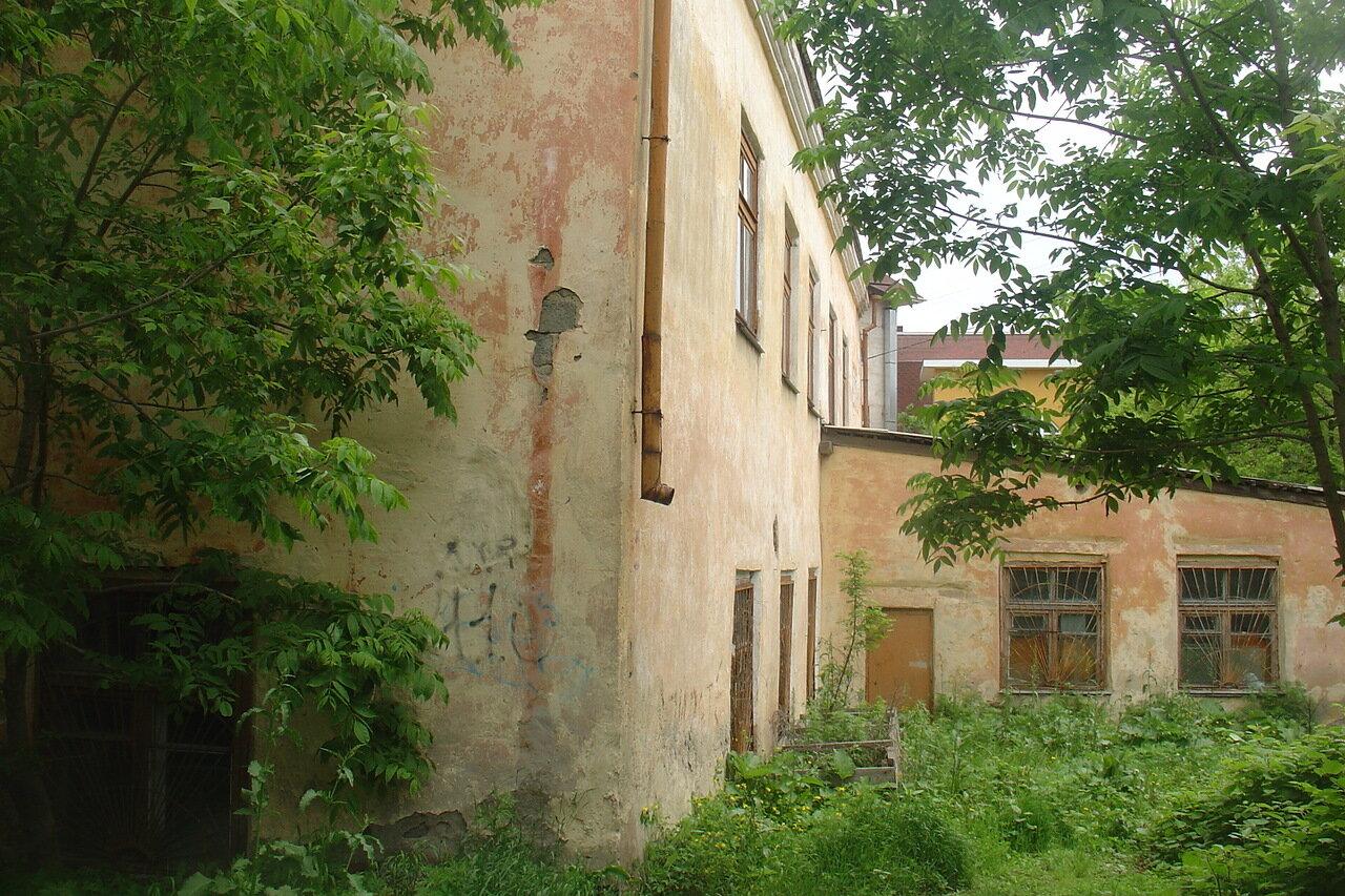 Владивосток. Двор. Дом.