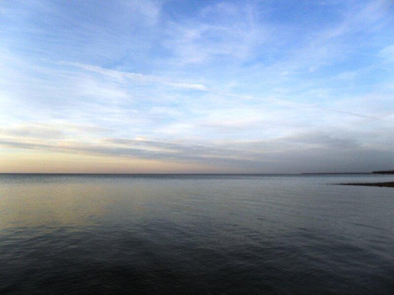 У моря на закате
