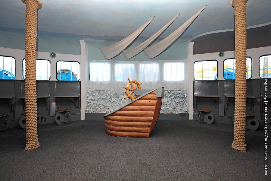 теплоход Бородино главная палуба детский салон